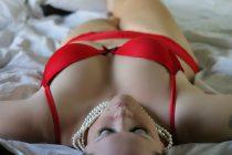 Bielizna xxl – 3 sposoby na to, jak przy pomocy seksownej bielizny pozbyć się nudy w związku